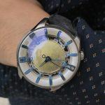 リアルな月を再現した腕時計「THE MOON WALKER」を支援してみた